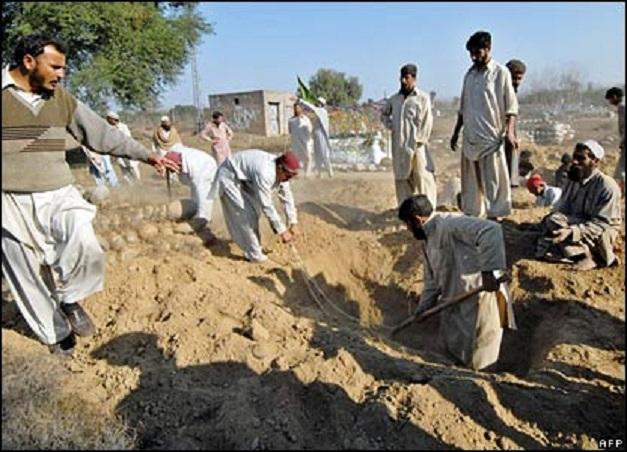 Muslims Digging up graves 1