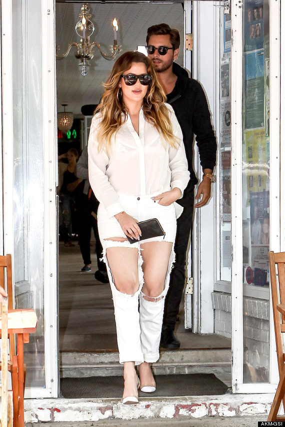 Khloe Kardashian shows off her Thighs in a Ripped Jeans after lunch with Scott Disick [Photo]