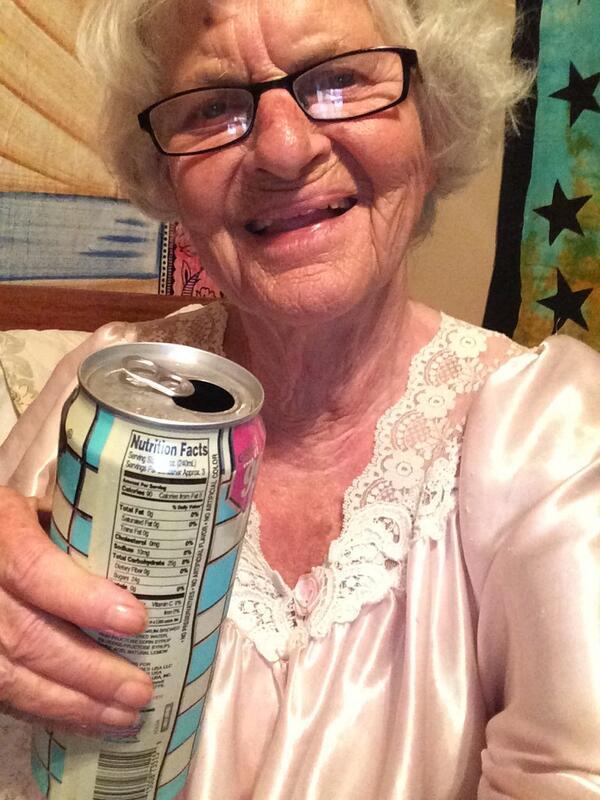 """Meet The 86-Year-Old Twerking Granny """"Baddie Wrinkle"""" Who has Been Stealing Men Since 1928"""