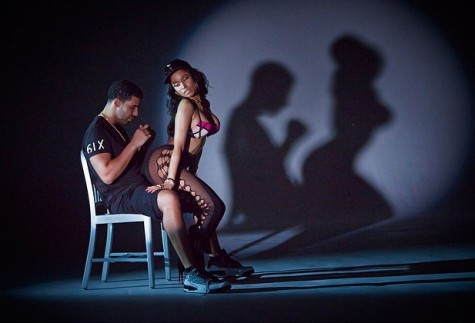 RAPPER NICKI MINAJ GIVES DRAKE A LAP DANCE IN 'ANACONDA' VIDEO