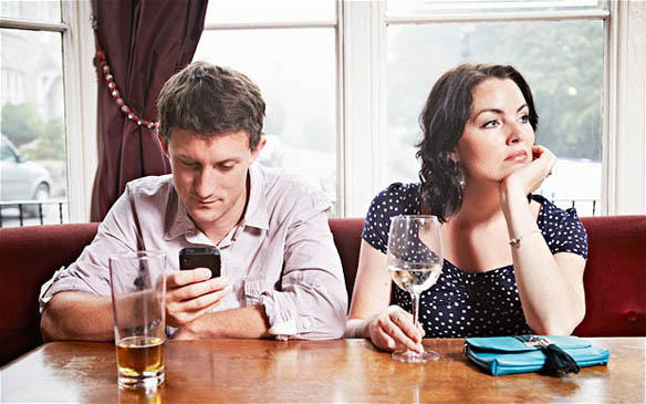 75% of Women admit Smartphones are Ruining their Relationships