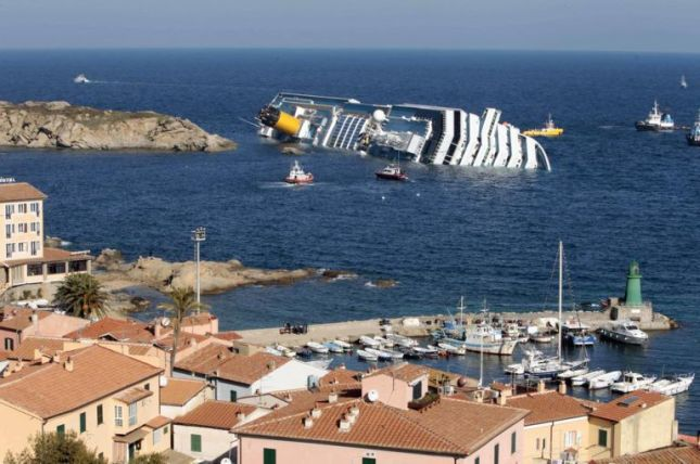 32 people were killed in the Costa Concordia disaster (Picture: AP Photo/Gregorio Borgia, File)